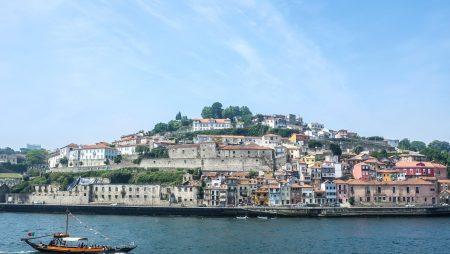 Изменения в программе «Золотая виза» Португалии: ограничение на покупку недвижимости и гражданство по праву рождения
