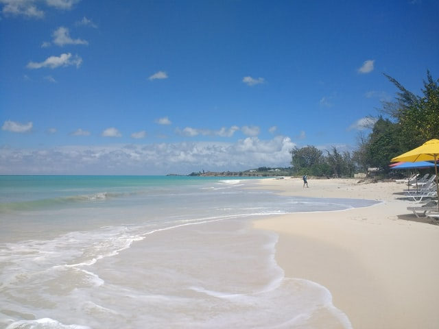 You can travel to Antigua and Barbuda already in summer 2021