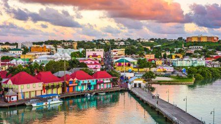 Антигуа и Барбуда временно отменяет требование о посещении страны